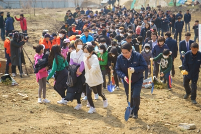 아산시 제74회 식목일기념 나무심기 행사 추진 관련사진