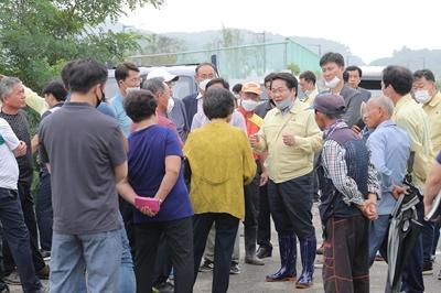 오세현 아산시장, 집중호우 피해현장 방문 이어가 관련사진