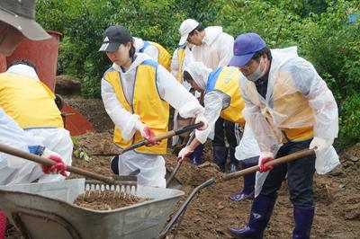 오세현 아산시장, 수해현장 자원봉사자에게 감사 전해   관련사진