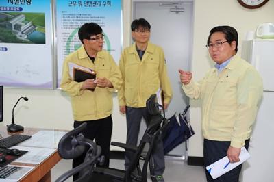 오세현 아산시장, 장마철 집중호우 및 태풍 대비 재해위험지구 긴급 현장방문 관련사진