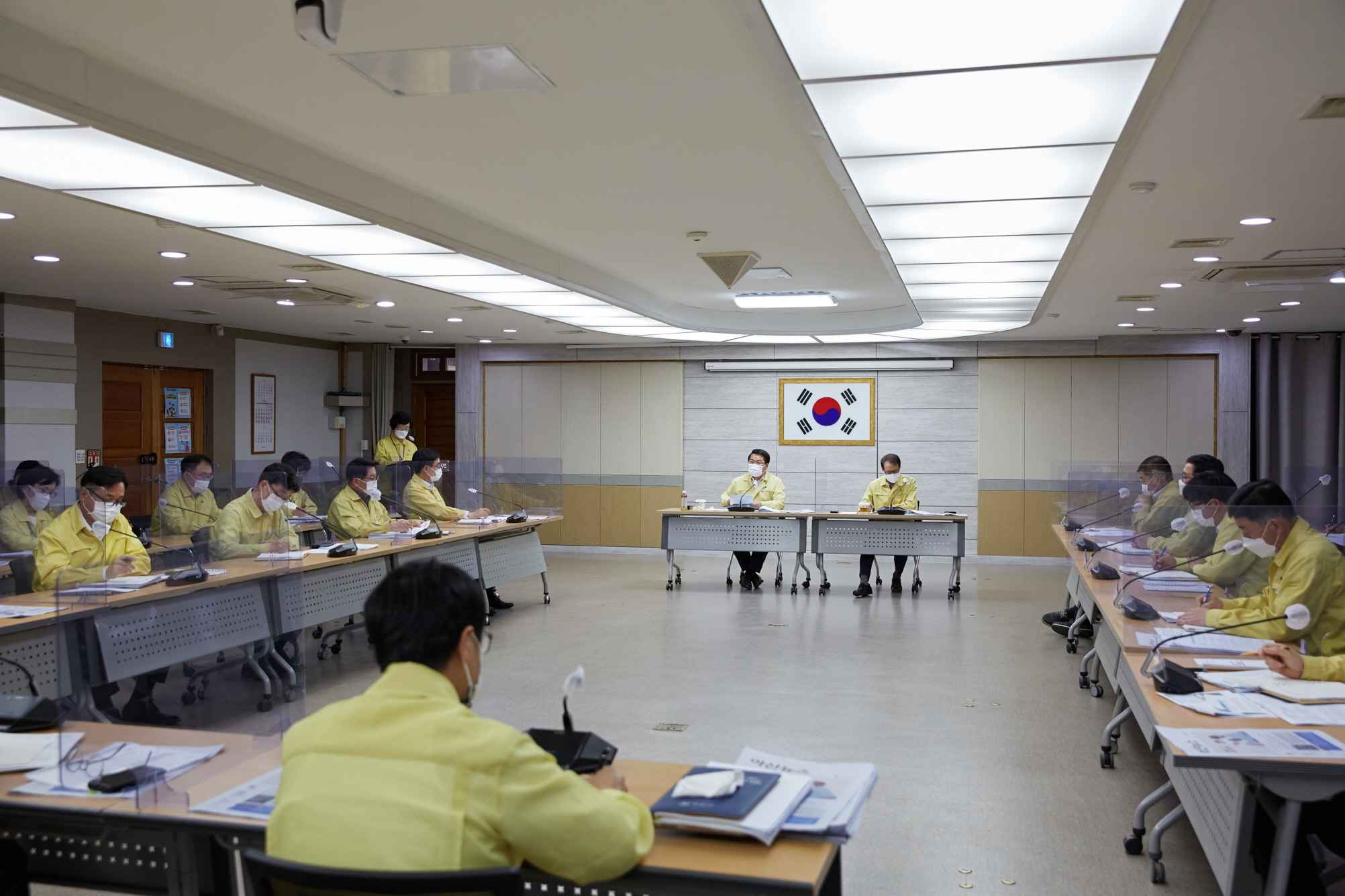 """오세현 시장, """"코로나19 방역 경각심 갖고 대응"""", """"연초 계획사업 차질 없는 추진"""" 강조 관련사진"""
